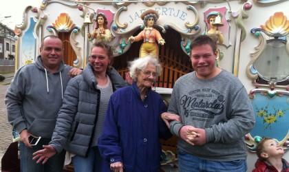De jarige werd 97 jaar – Felicitatiedienst